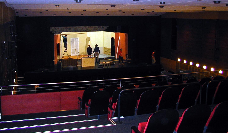 feats 2005 the altona theatre hamburg. Black Bedroom Furniture Sets. Home Design Ideas